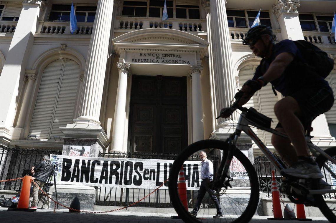 Coronavirus en Argentina: los bancos seguirán cerrados en prevención de la salud del personal y los clientes