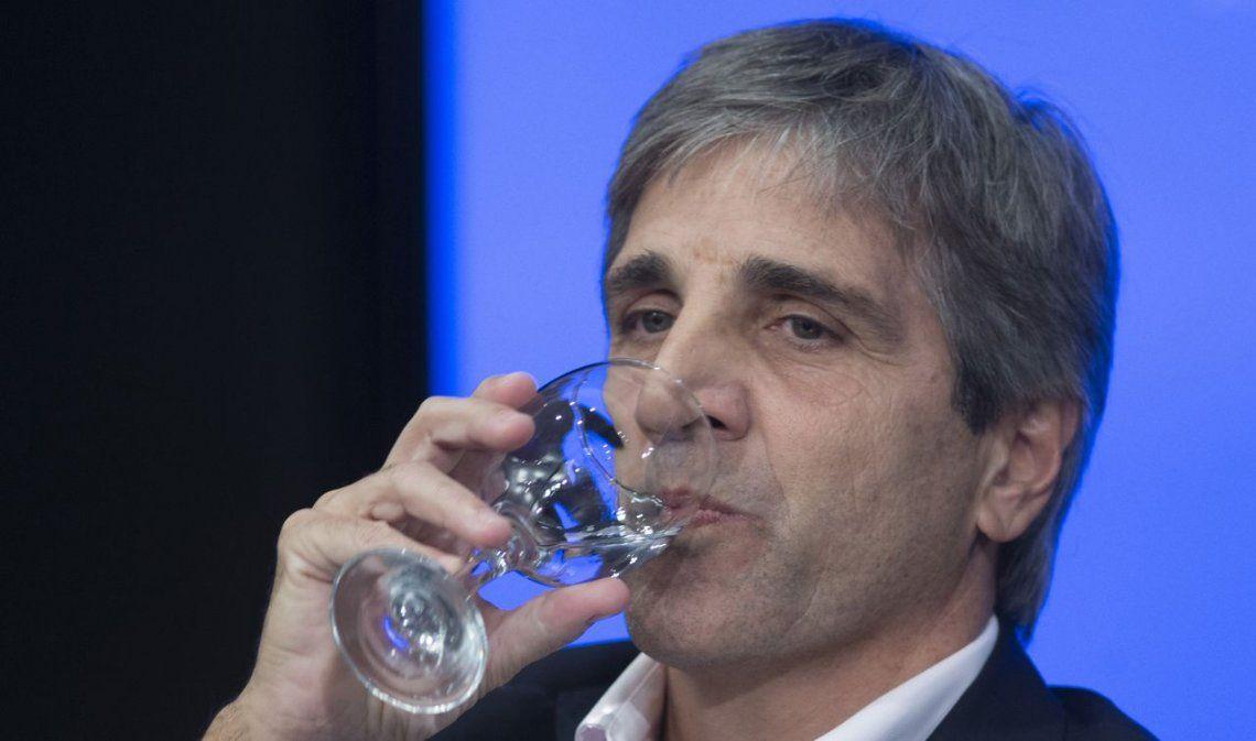 La Argentina profundiza su crisis: Financial Times, duro con Caputo