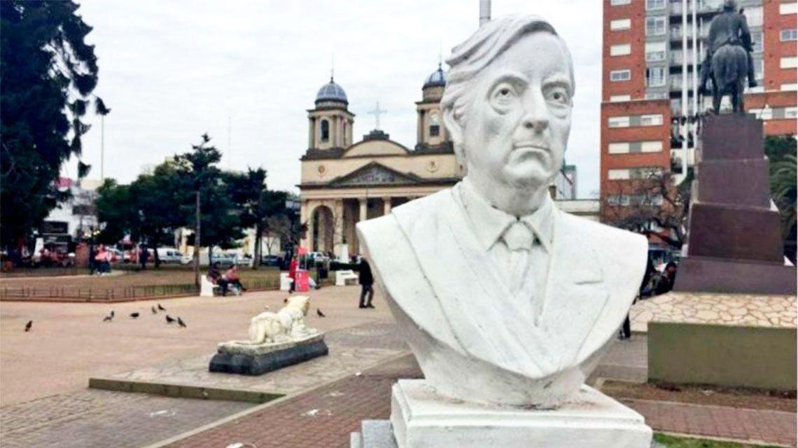 La Justicia dio 10 días para reponer el busto de Néstor Kirchner en la Plaza de Morón