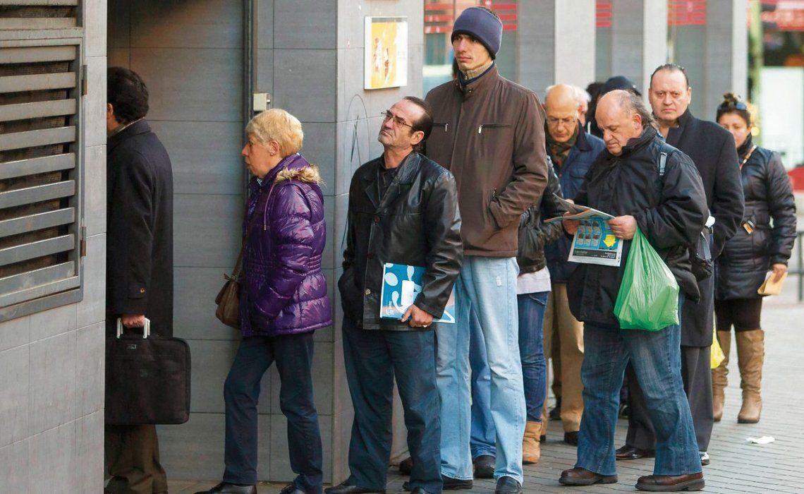 Durante la cuarentena, casi 900 mil personas perdieron el empleo
