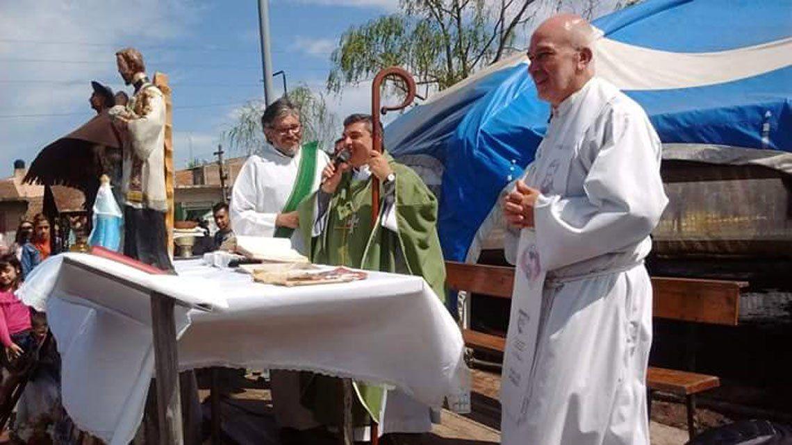 Asaltaron al Obispo auxiliar de Quilmes: le robaron hasta su bastón pastoral