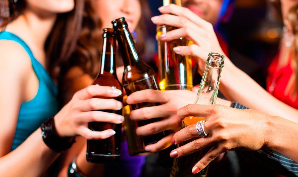 Hay 10 muertes por consumo de alcohol y drogas cada semana