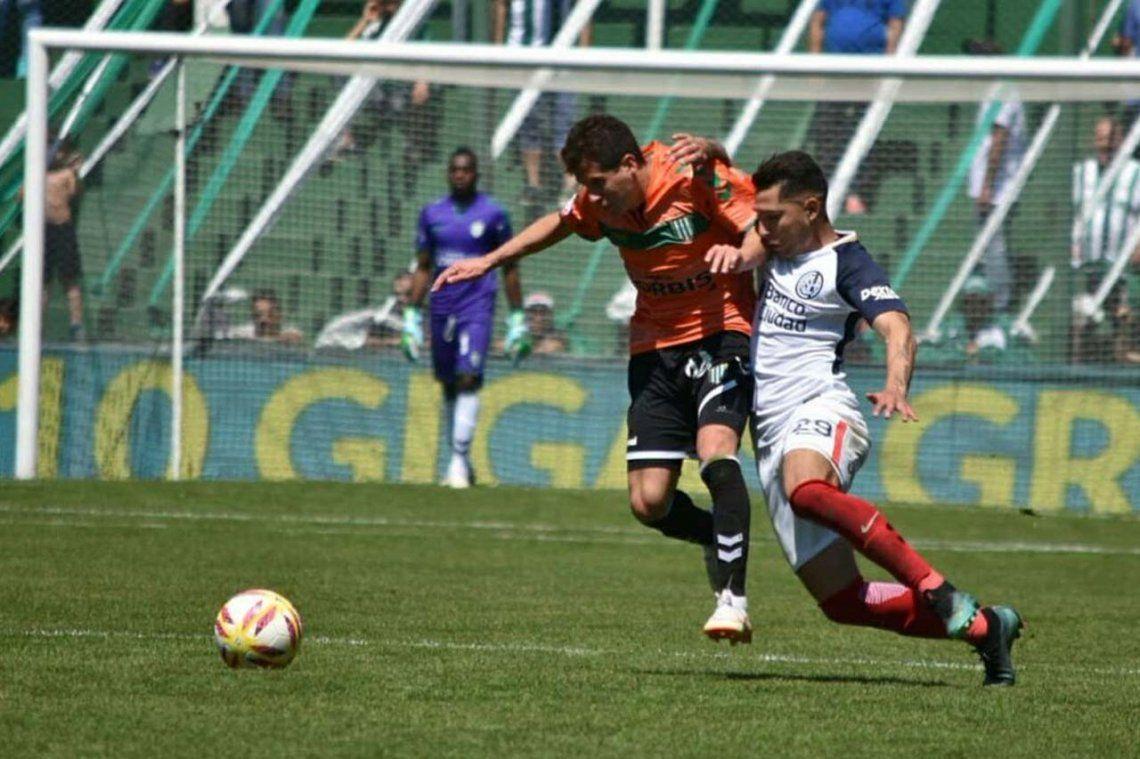 San Lorenzo sigue sin hacer pie y perdió con Banfield 2 a 0