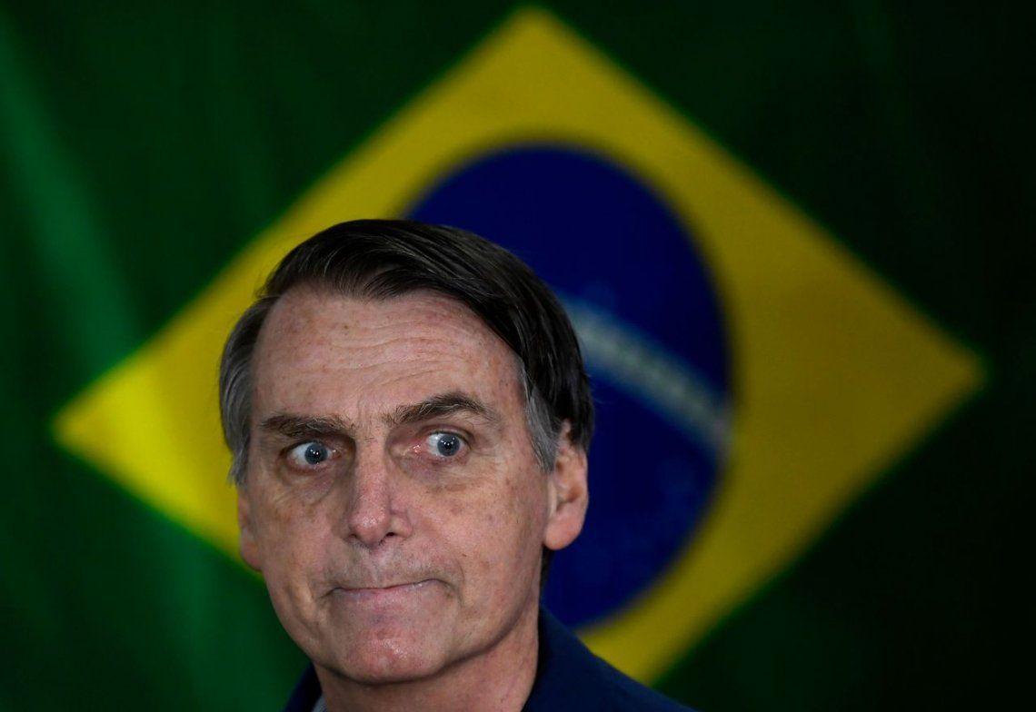 La derecha festeja en Brasil: Bolsonaro arrasó, pero habrá balotaje