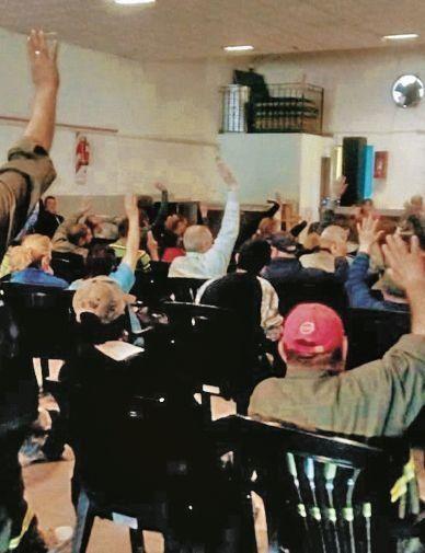 MUNICIPALES, CON AUMENTO, SIGUEN RECLAMANDO