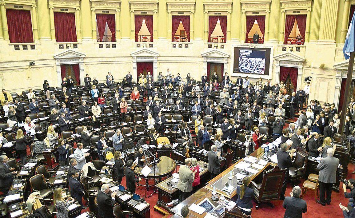 dEl debate se reanudará hoy a las 10 en la comisión de Presupuesto de la Cámara baja.