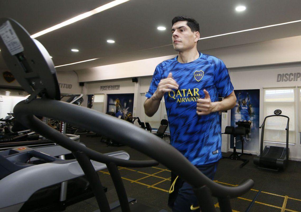 ¿Quién es Carlos Lampe? Enfrentó a Boca como basquetbolista y en los estadios le gritan cuñado, cuñado