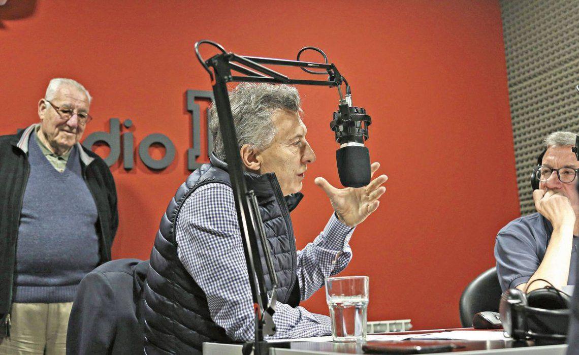 dMacri habla en una radio de Olavarrìa.