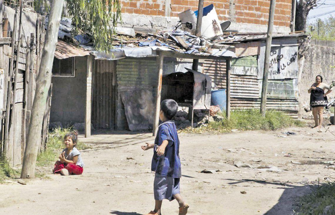 Avellaneda: reclaman obras de infraestructura en Villa Inflamable