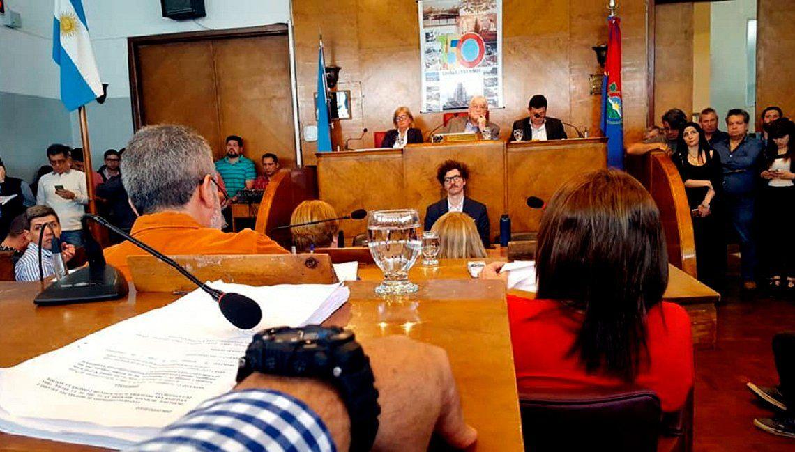 Lomas de Zamora: convalidaron la suba del 150% de Martín Insaurralde al alumbrado