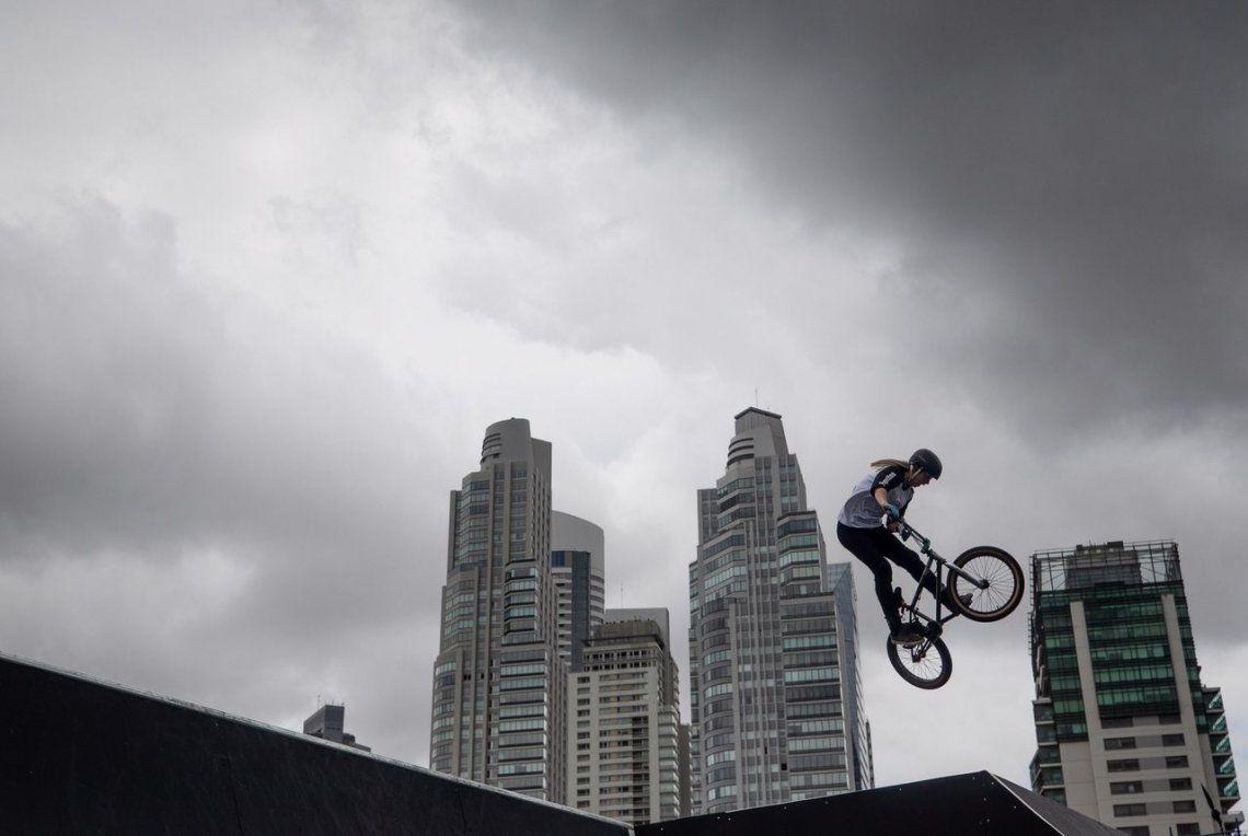 Agustina Roth en la final de la prueba BMX Freestyle de los Juegos Olímpicos de la Juventud