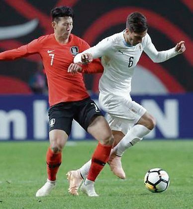 Uruguay no pudo con Corea del Sur y sufrió una derrota