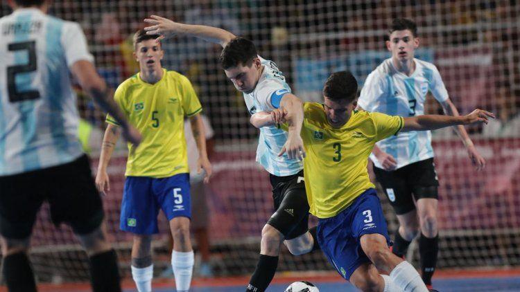 Argentina cayó con Brasil y jugará por la medalla de bronce en futsal