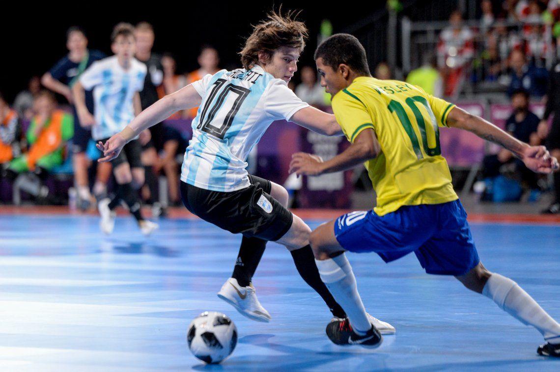Argentina-Brasil: la noche en la que un grupo de adolescentes llenó un estadio