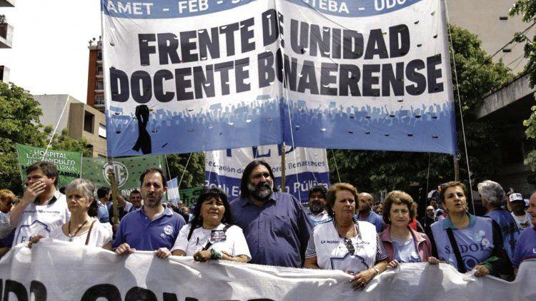dMás de diez mil personas se movilizaron desde la intersección de las calles 7 y 38 y llegaron hasta la plaza San Martín.