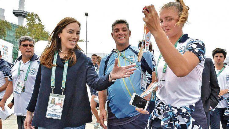 dLa gobernadora visitó ayer la Villa Olímpica de la Juventud, donde se reunió con jóvenes atletas bonaerenses.
