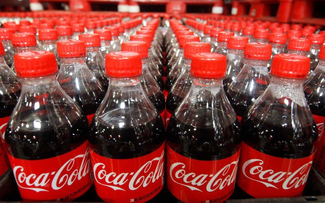 Coca-Cola: recortes de empleos y 4 mil retiros voluntarios en América del Norte