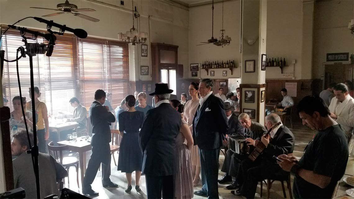 El bar El Progreso se convirtió nuevamente en set de filmación con Operación Final