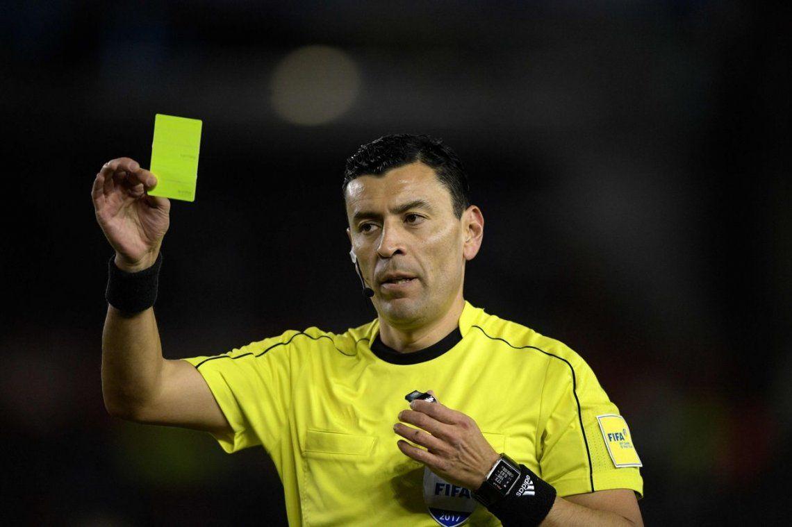 Copa Libertadores: cómo les fue a Boca y River con Roberto Tobar, el árbitro chileno que dirigirá la superfinal