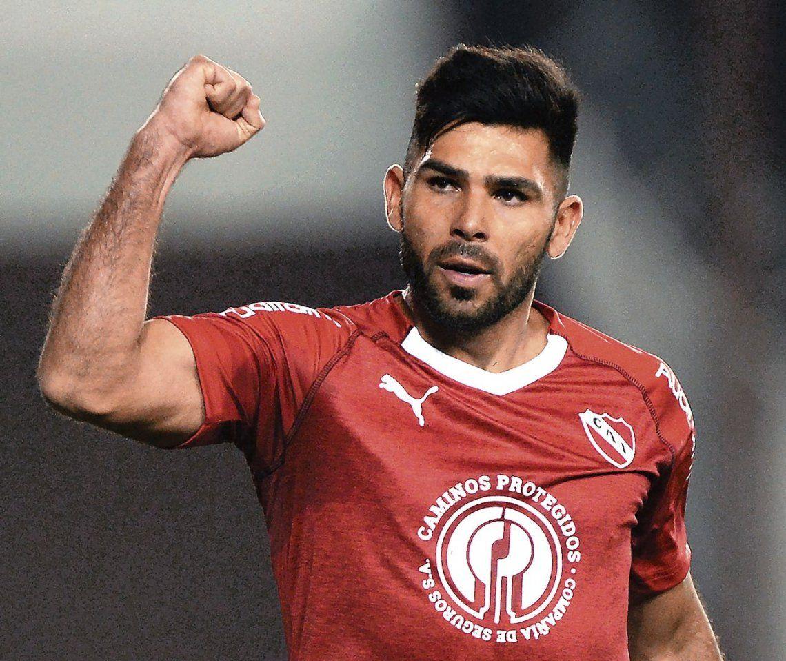 Silvio Romero podría aparecer como titular en el equipo de Holan para enfrentar mañana a Argentinos.