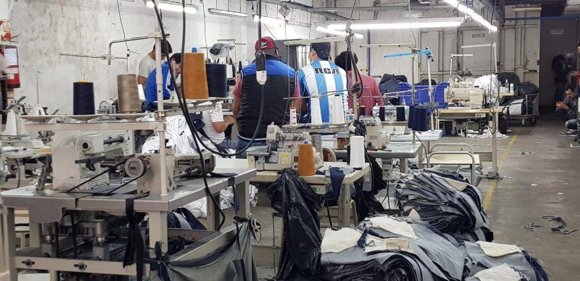 Policía Federal rescató a 30 personas de talleres clandestinos