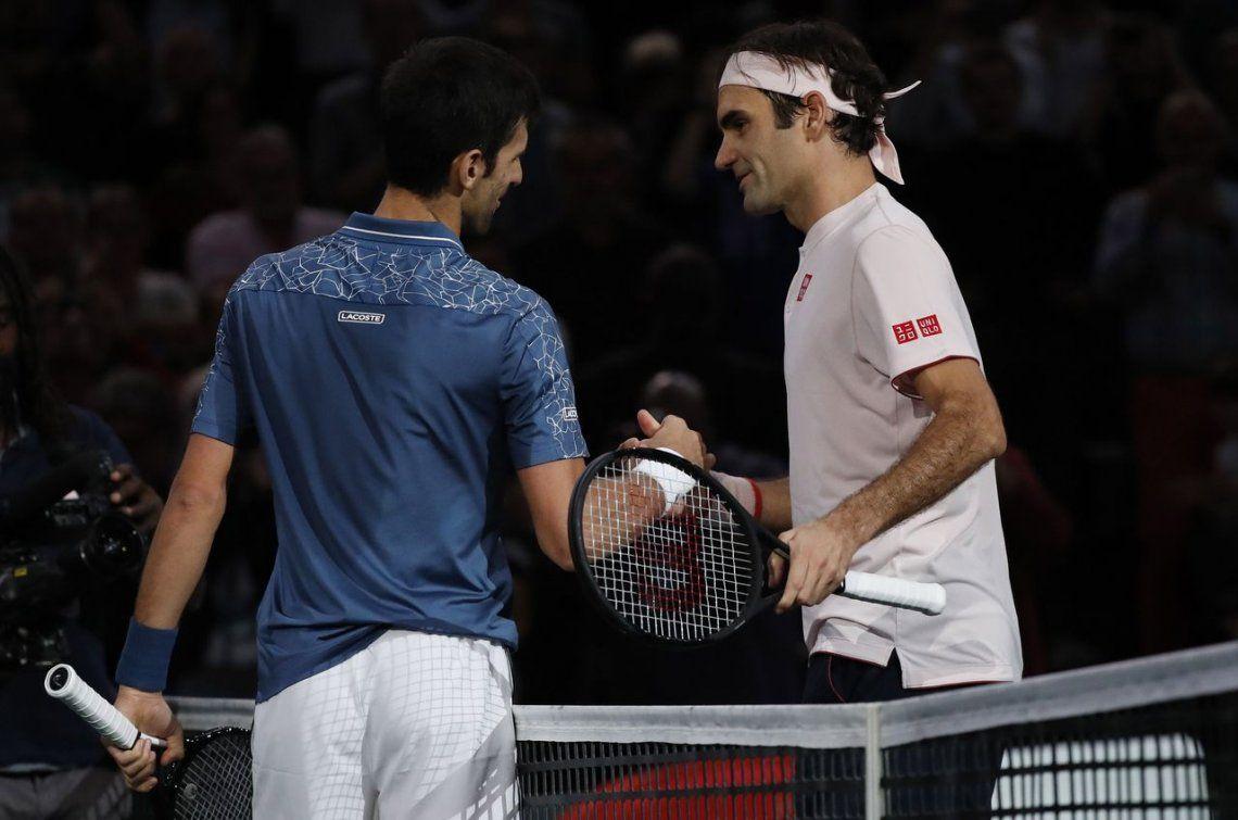 Novak Djokovic le ganó a Roger Federer y jugará la final de París frente a Karen Khachanov