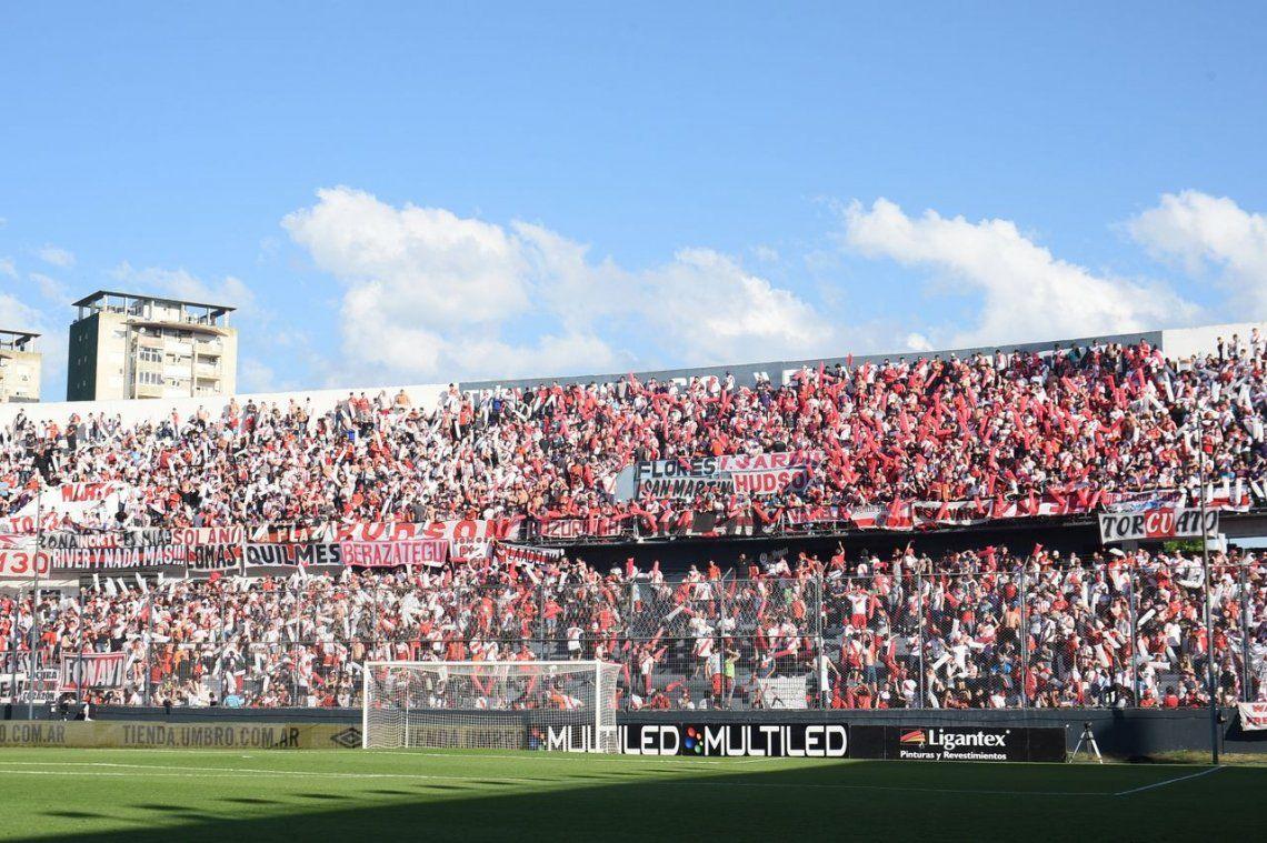 River: incidentes y 38 visitantes detenidos en el partido contra Estudiantes