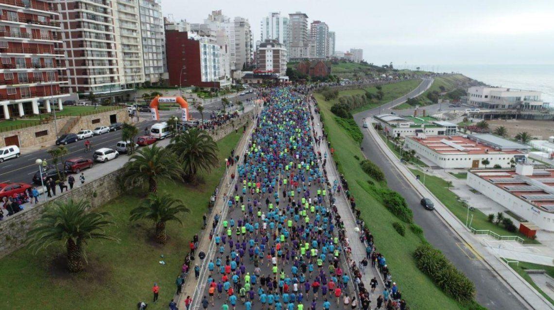 Corría la maratón de Mar del Plata y tuvo un paro cardíaco: está grave