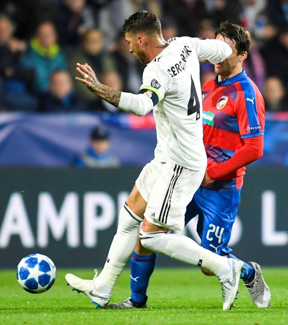 Champions League: Sergio Ramos le rompió la nariz a un rival y no fue expulsado