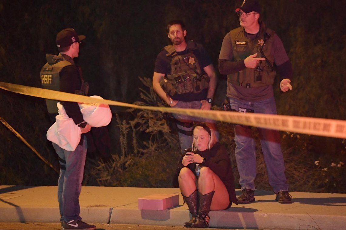 Feroz tiroteo en un bar en California: al menos 12 muertos