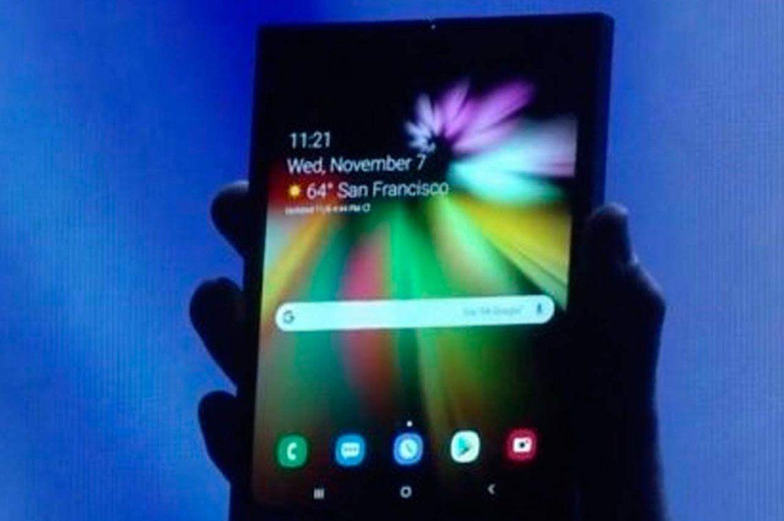 Samsung presentó el primer smartphone con pantalla plegable