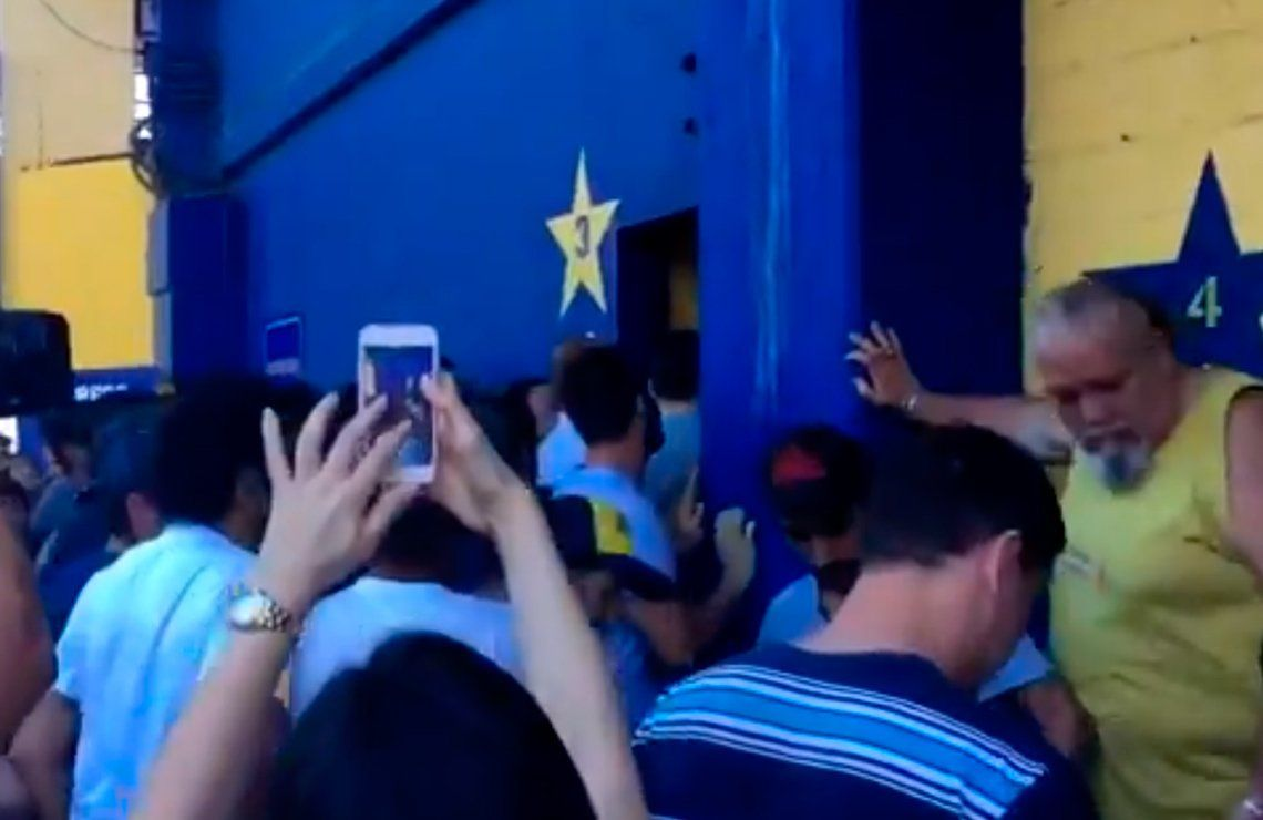 Incidentes en la Bombonera con los socios de Boca por la falta de filtro