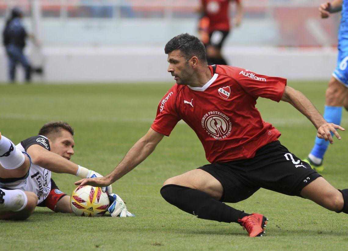 Independiente erró dos penales, pero igual venció  2-1 a Belgrano