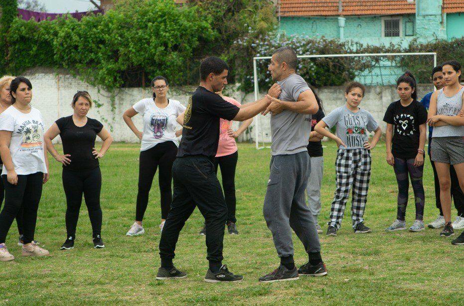 Lanús: ofrecen clases de defensa personal para mujeres