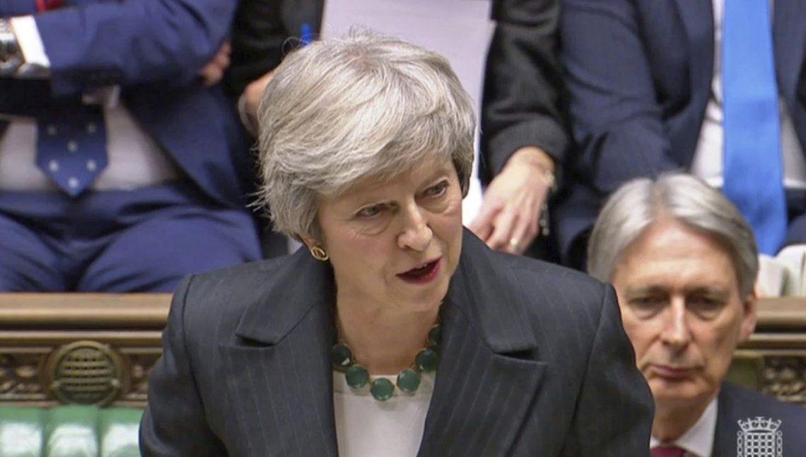 Derrotada por el Brexit, renunció Theresa May