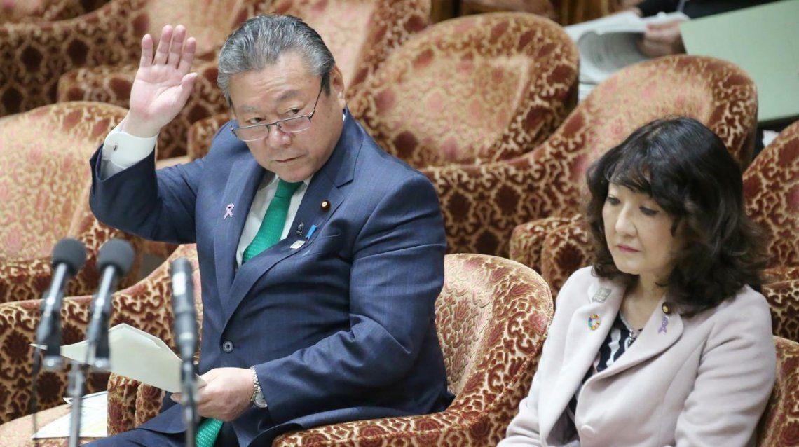El nuevo ministro de ciberseguridad de Japón admitió que nunca usó una computadora