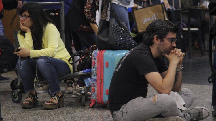 Una medida de fuerza podría demorar vuelos en todo el país