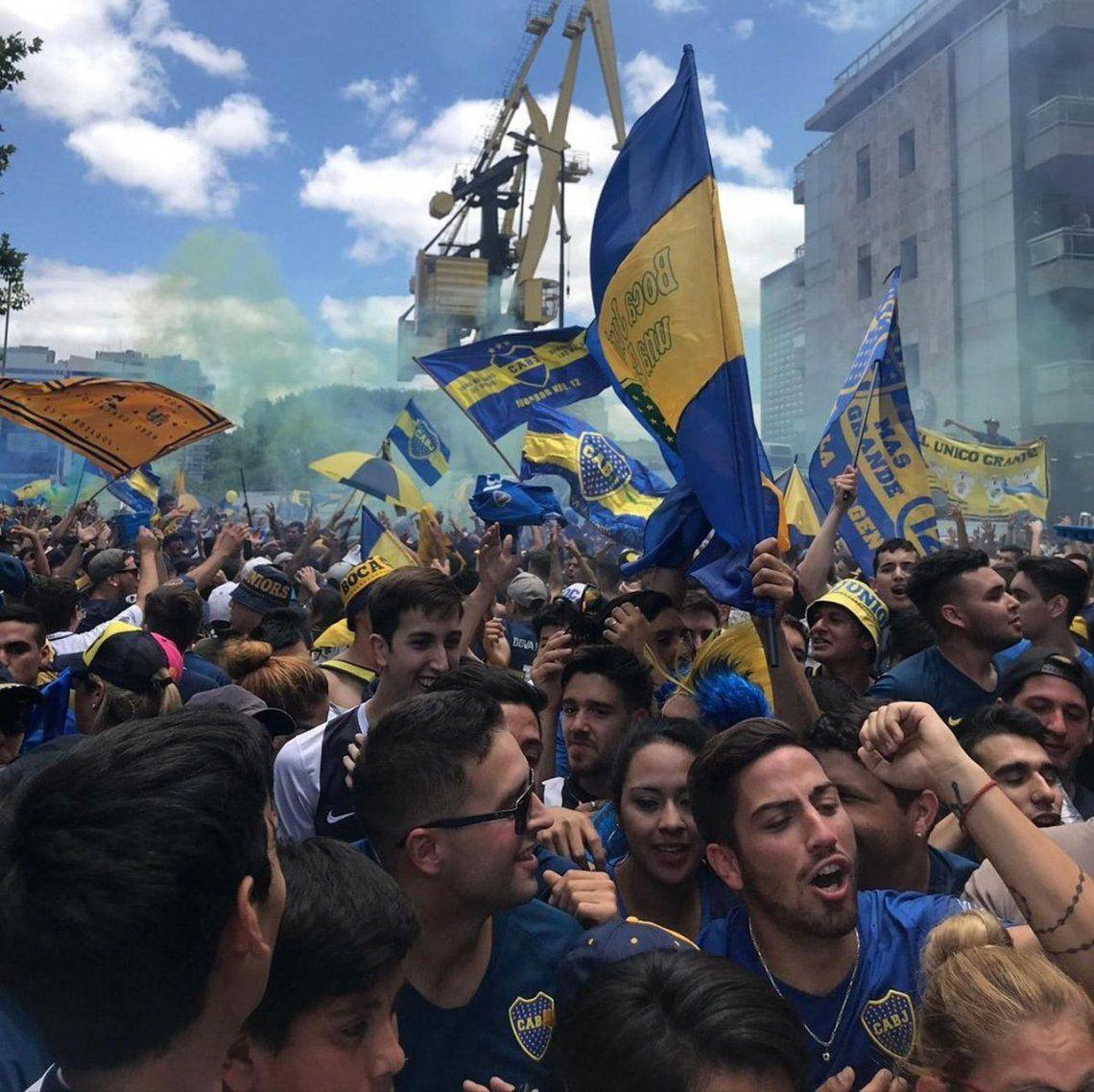 Día del Hincha de Boca | La Bombonera no fue habilitada y los hinchas estallaron contra Angelici
