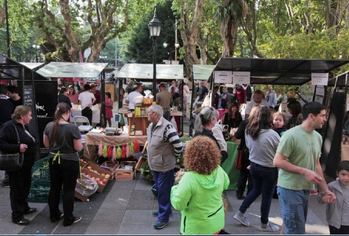 Quilmes: la Ecoferia Alimenta, en la Plaza San Martín