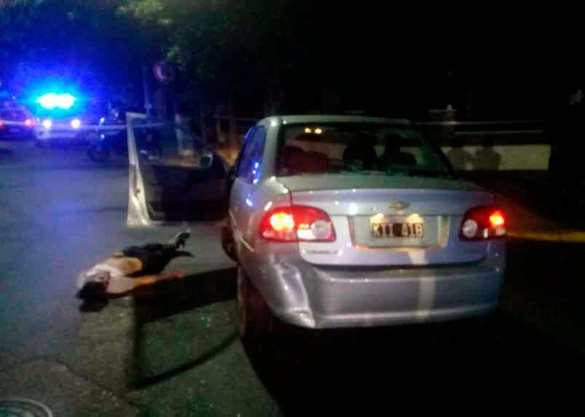 Santos Lugares: roba un auto y muere tras persecución y tiroteo