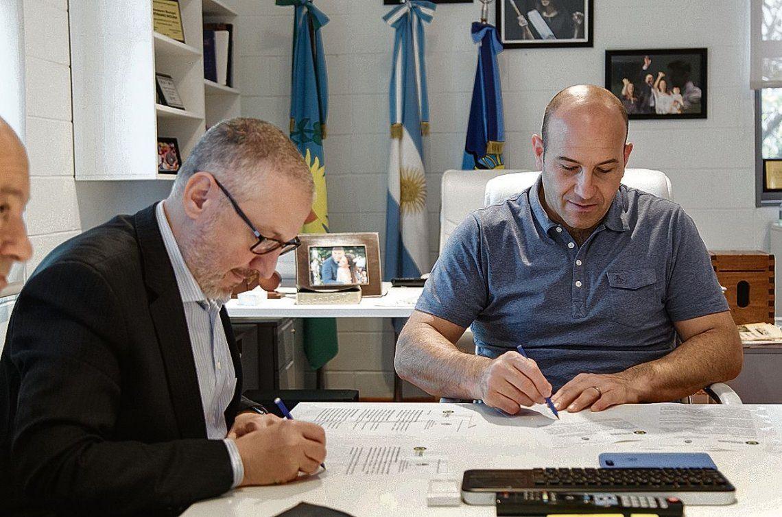 dEl jefe comunal y el interventor del INADI suscribieron el acuerdo para abrir una sede del organismo en Quilmes.
