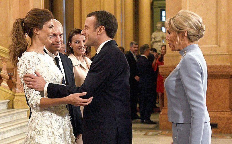 dJuliana Awada recibe a Emmanuel Macron y su esposa.