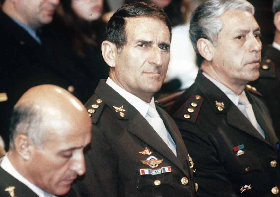 dMohamed Alí Seineldín protagonizó alzamientos carapintadas contra Raúl Alfonsín y Carlos Menem.