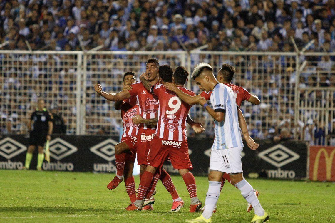 San Martín le dio vuelta un clásico increíble a Atlético y Racing sonrió