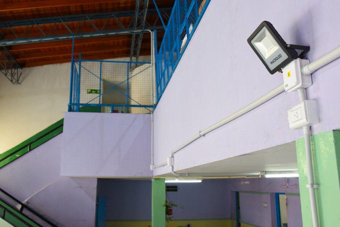 Invierten 29 millones de pesos en escuelas de Ituzaingó