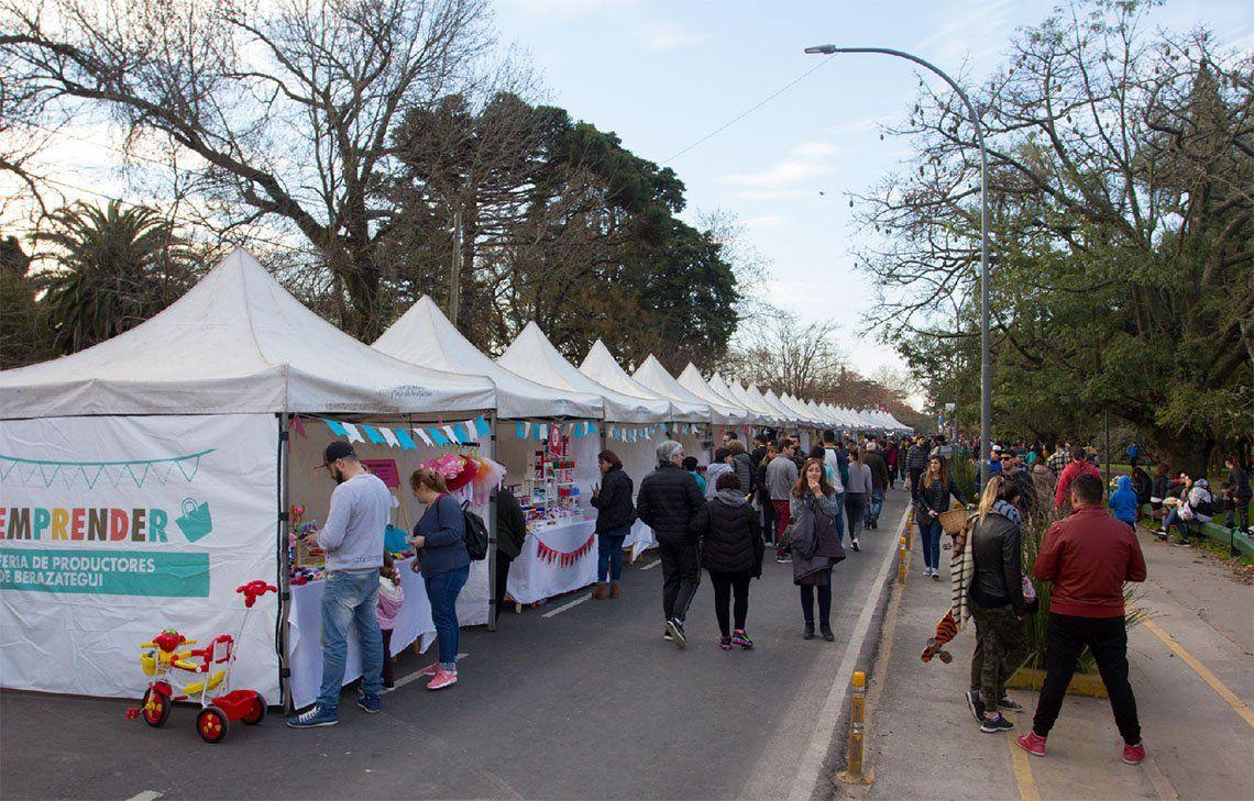 Berazategui: edición navideña de la Feria Emprender