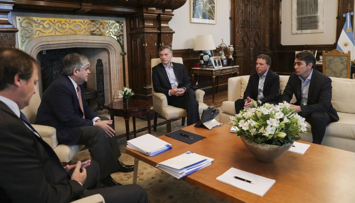 Mauricio Macri celebró un acuerdo de inversión entre YPF y Petronas por US$2300 millones en Vaca Muerta