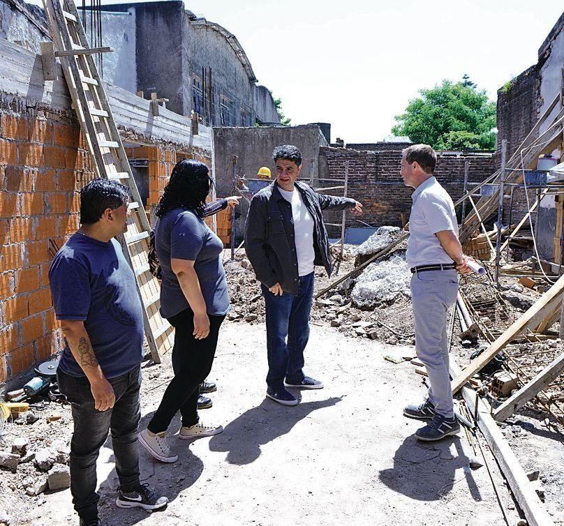 dEl intendente Macri supervisó las obras del nuevo centro barrial.