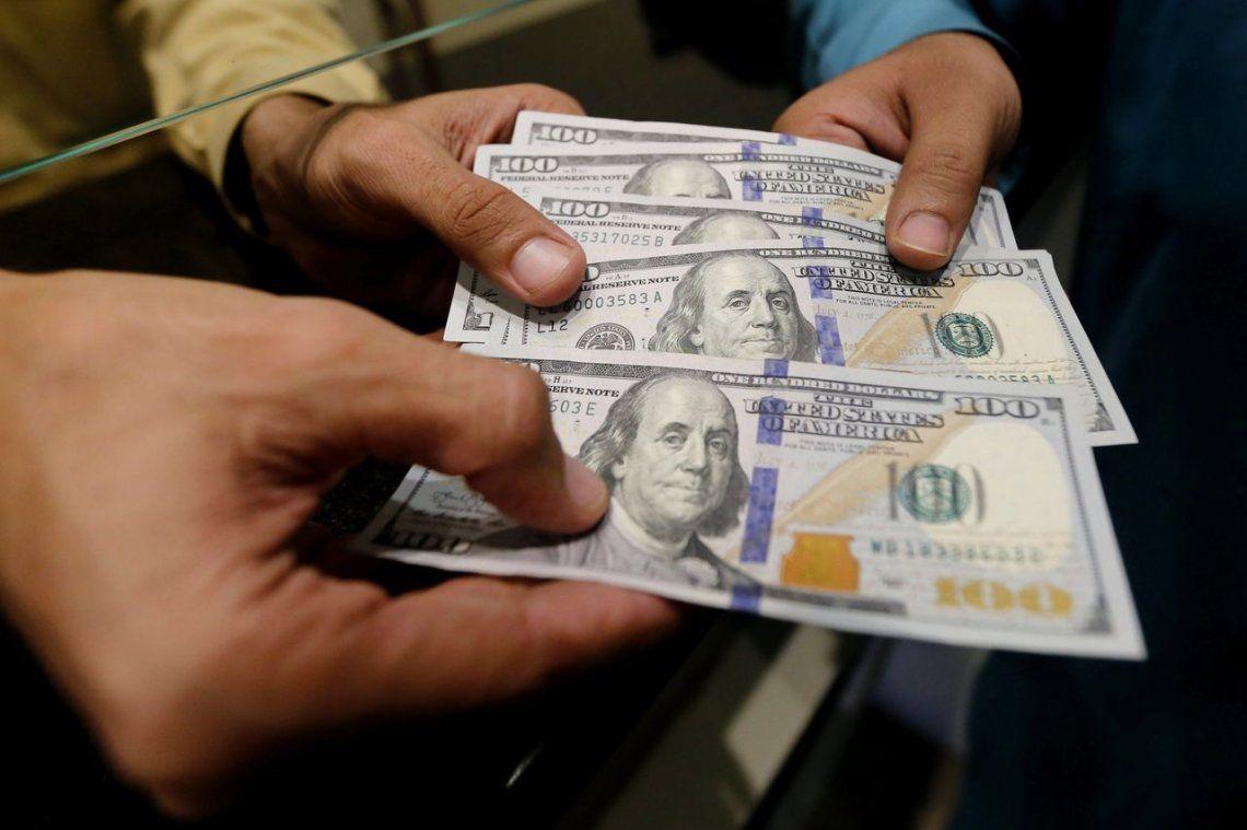 El dólar volvió a subir y cerró a $38,68