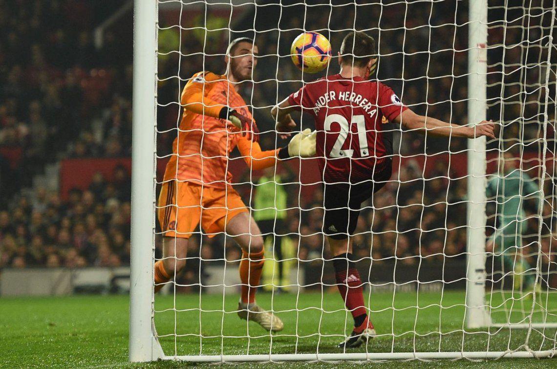 Manchester United - Arsenal: tremendo blooper de David de Gea